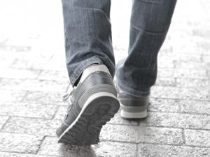 ヒトの歩く速度と寿命の恐るべき関係とは!?